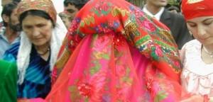 tajik_wedding_624x351_bbc_images_dialog_foto_1_thumb_medium645_310